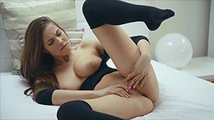 Connie Carter vous invite à un voyage orgasmique