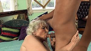 Ahmed défonce Norma, une vieille poilue