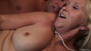 femme black mature jeune petasse