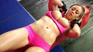 Combats et scène d'anal avec Mia Lelani