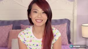 Miko Dai : une petite asiatique sur un gros pénis
