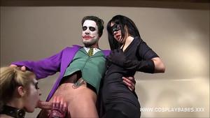 Le joker et ses deux esclaves sexuelles