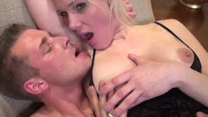 Maman salope allemande dans un porno amateur