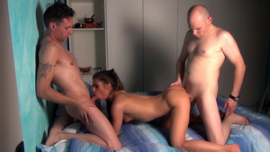 Valentina Canali dans un porno scénarisé en Full HD 1080p